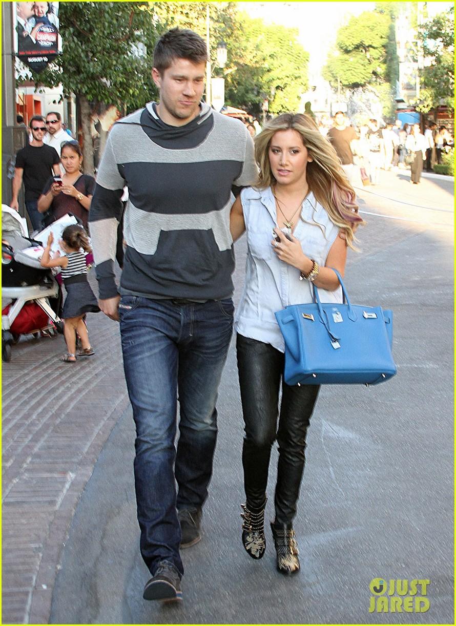 Ashley tisdale dating scott