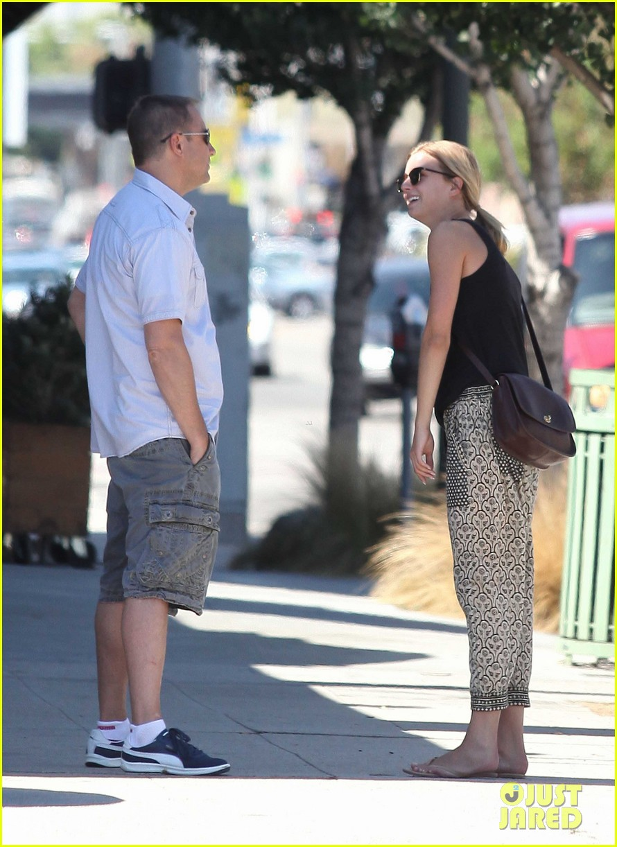 emily vancamp lunch with guy friend 10