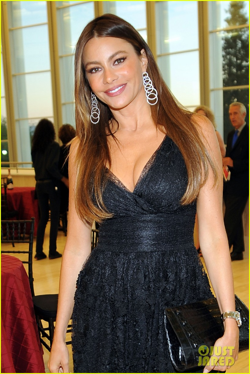 sofia vergara joffrey ballet school launch 02