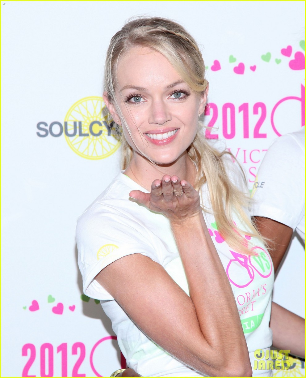 victorias secret angels soulcycle for cancer research 132686123