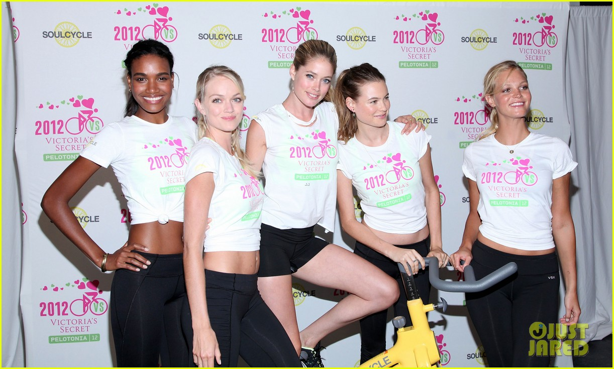 victorias secret angels soulcycle for cancer research 17