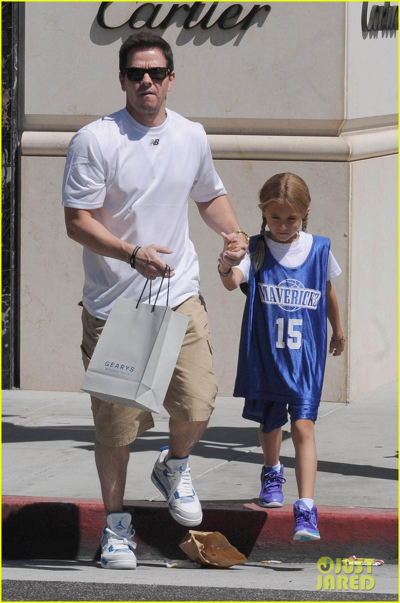 mark wahlberg out with ella rae 012684779