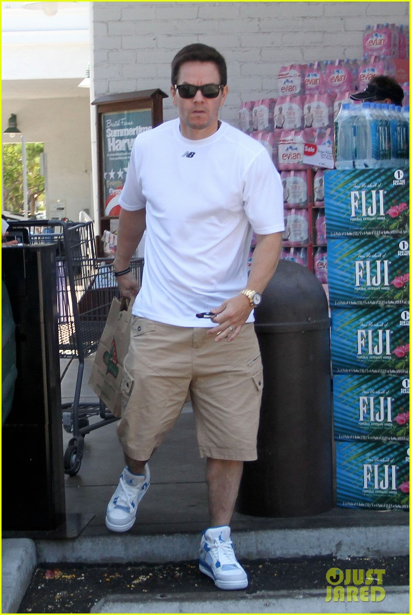 mark wahlberg out with ella rae 062684784