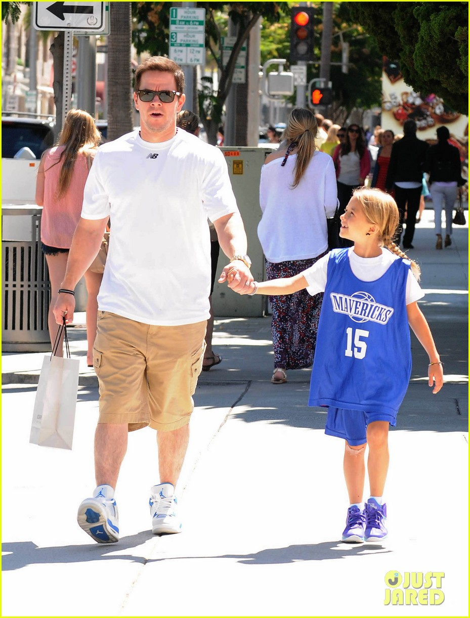 mark wahlberg out with ella rae 102684788