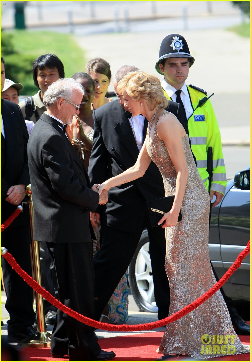 naomi watts princess diana caught in flight 032681948