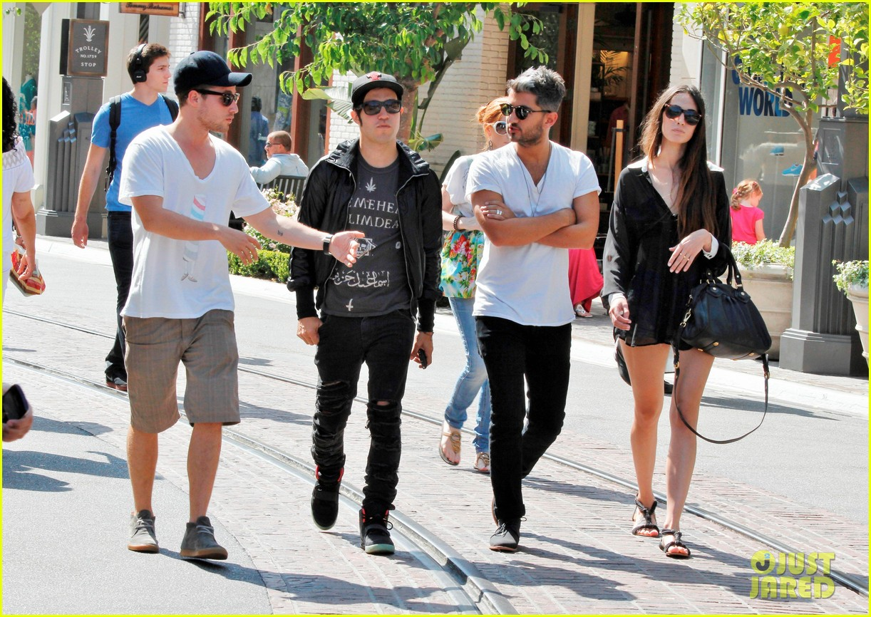 pete wentz meagan camper lunch with shawn pyfrom 032683303