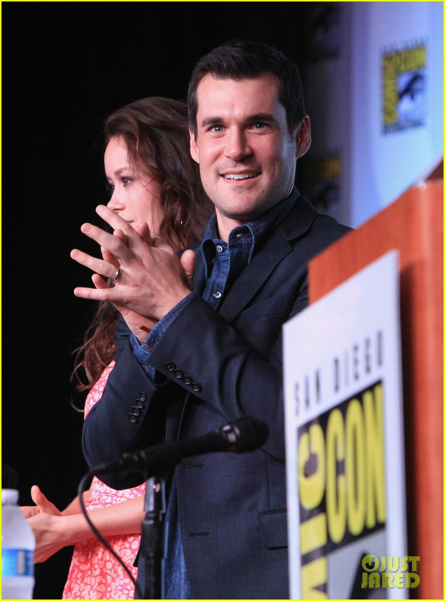 firefly cast reunion at comic con 042686970