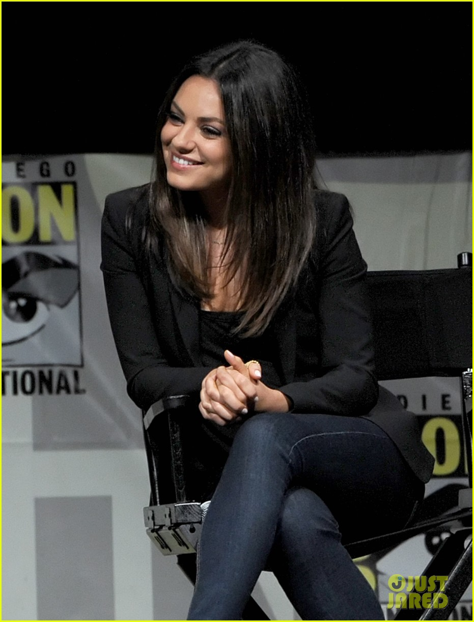 michelle williams mila kunis oz comic con 022686673