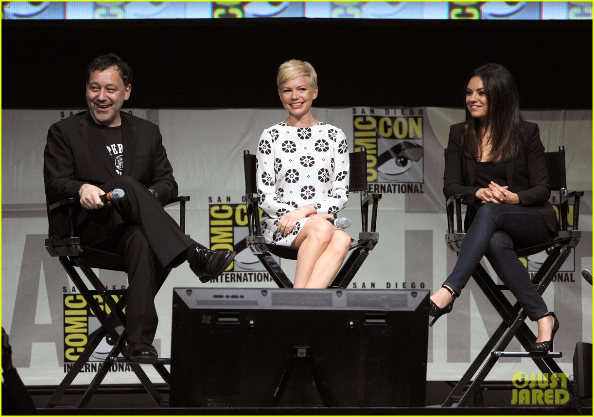 michelle williams mila kunis oz comic con 19