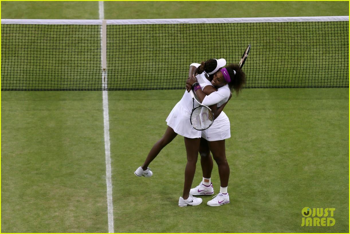 venus serena williams win wimbledon doubles crown 132684416