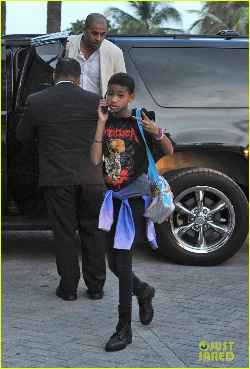 willow smith day out mom jada 032689498