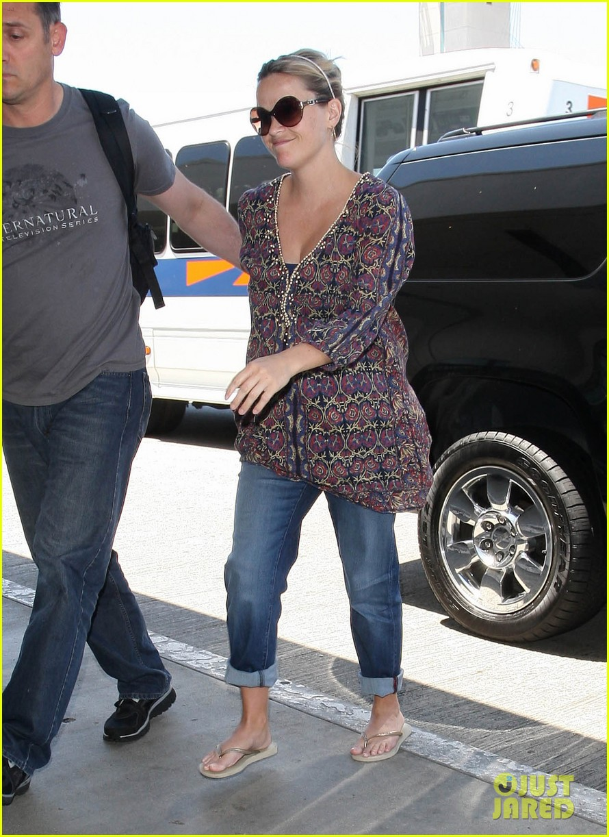 reese witherspoon lax departure 172688023
