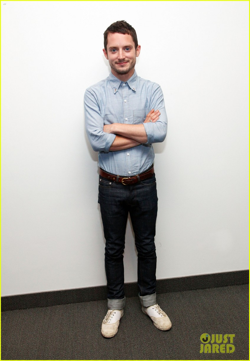 elijah wood talks the hobbit 012689241