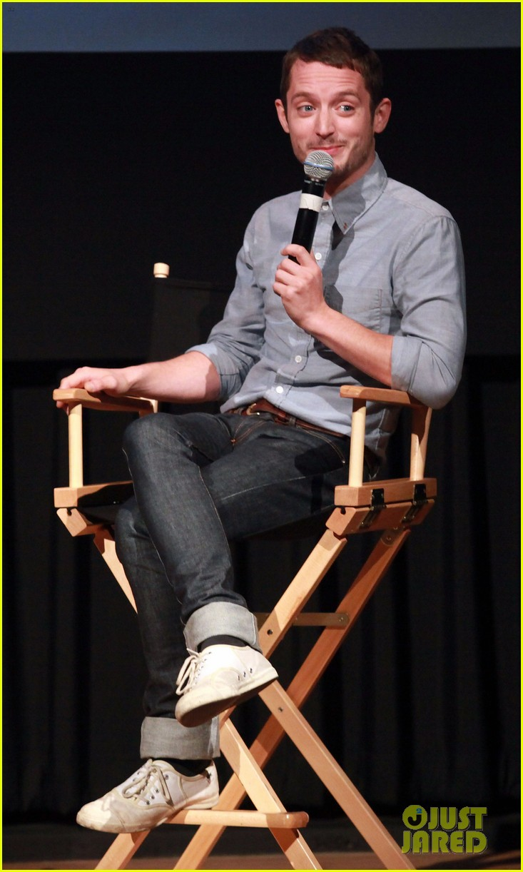 elijah wood talks the hobbit 022686494