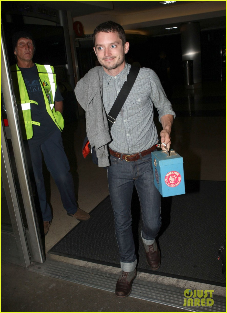 elijah wood talks the hobbit 032689243