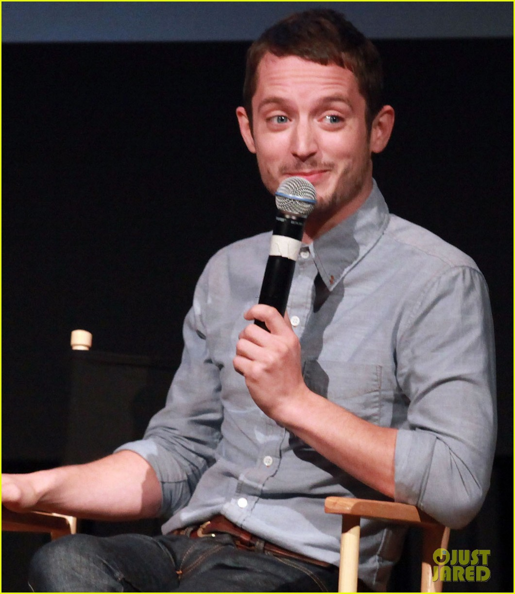 elijah wood talks the hobbit 042686496