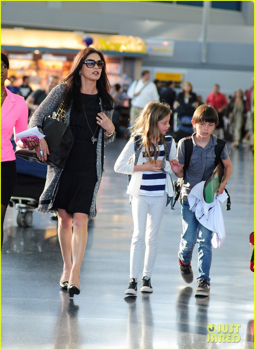 catherine zeta jones new york arrival with carys dylan 052688693