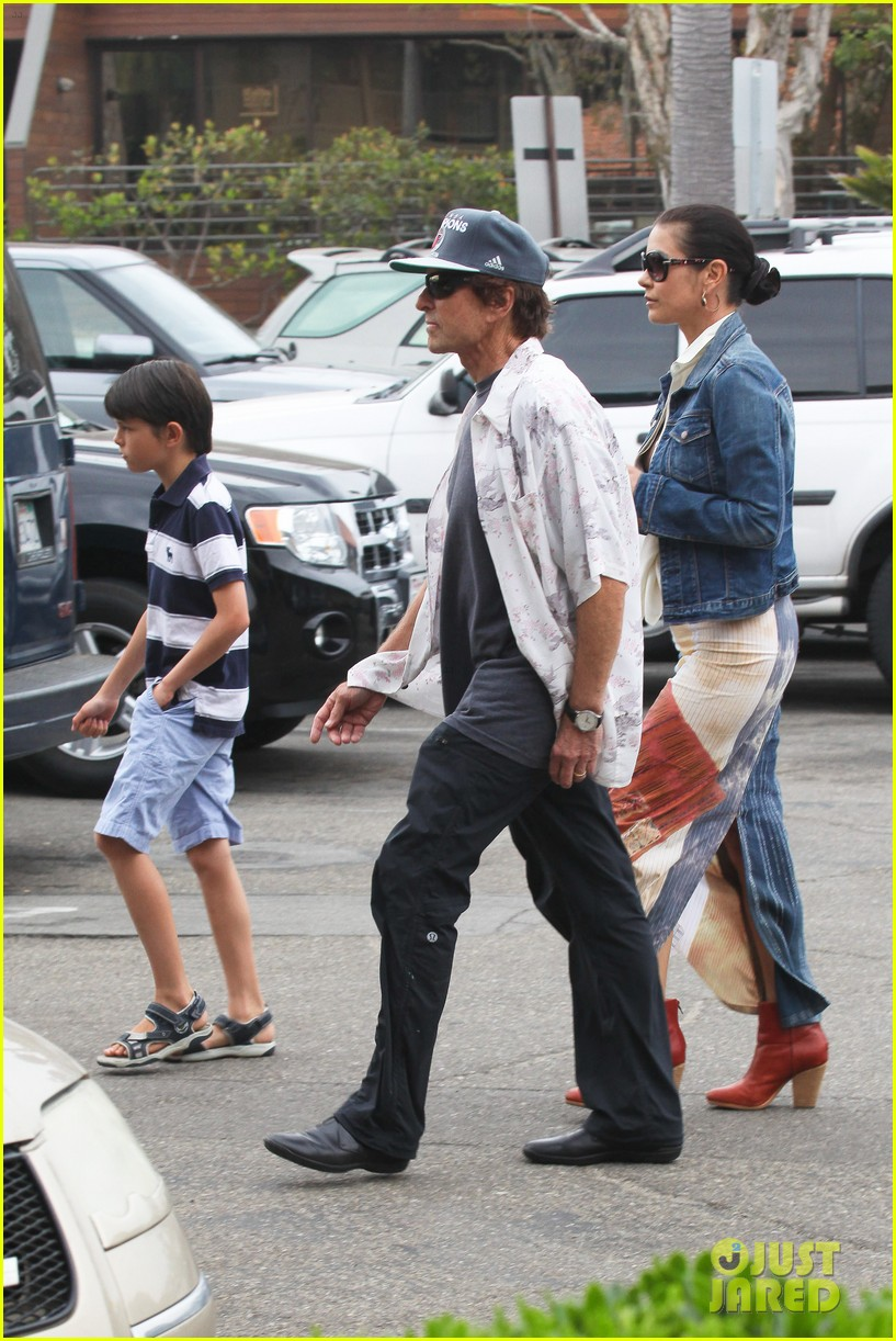 catherine zeta jones lunch with michael and dylan 042686906