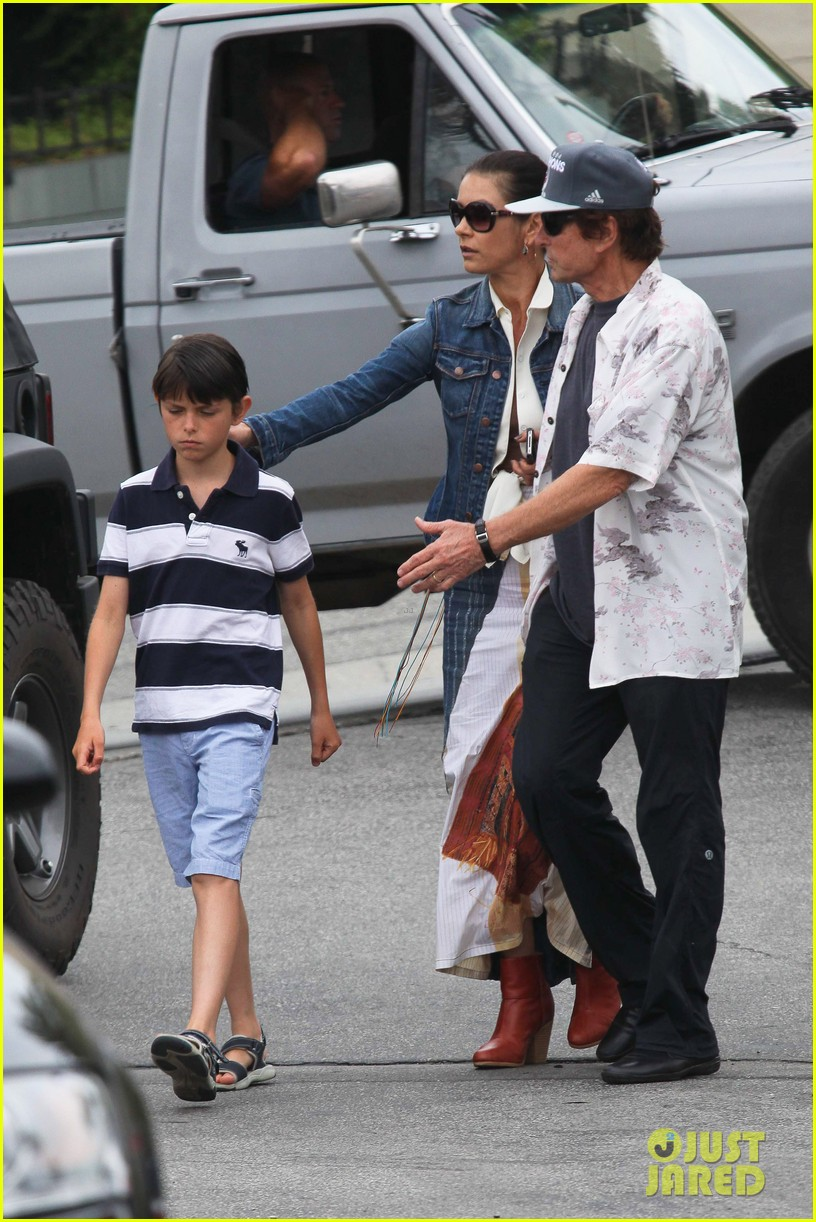 catherine zeta jones lunch with michael and dylan 092686911