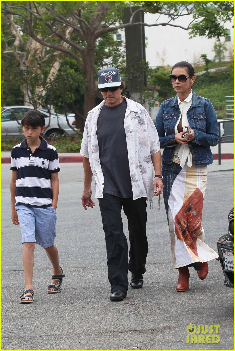 catherine zeta jones lunch with michael and dylan 142686916