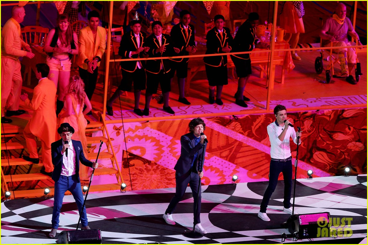 one direction closing ceremony 042700819
