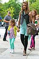 jessica alba lunch with honor 25