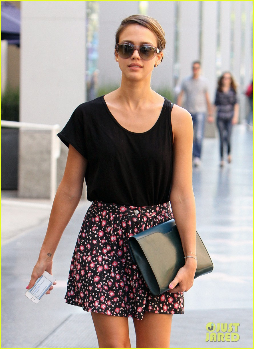 jessica alba sunday meeting 14