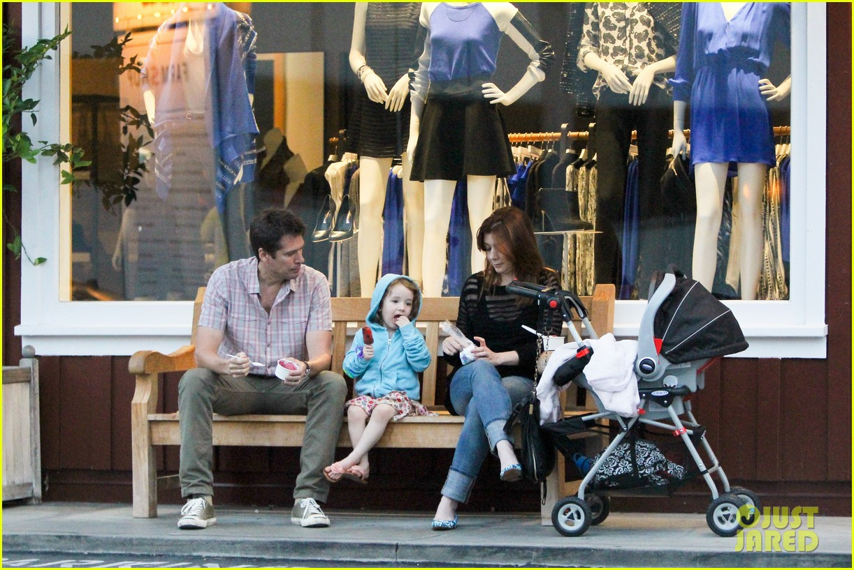 alyson hannigan mckayla maroney visits himym set 17
