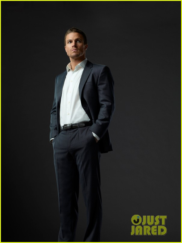 stephen amell arrow stills 03