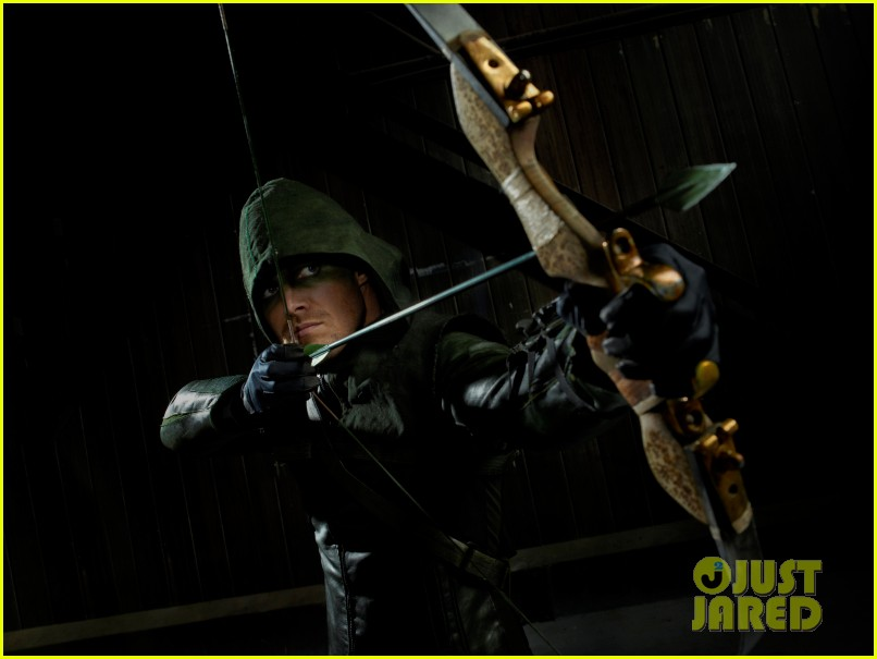 stephen amell arrow stills 06