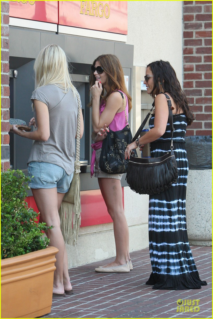 ashley greene kristen bell hysterical 182706932