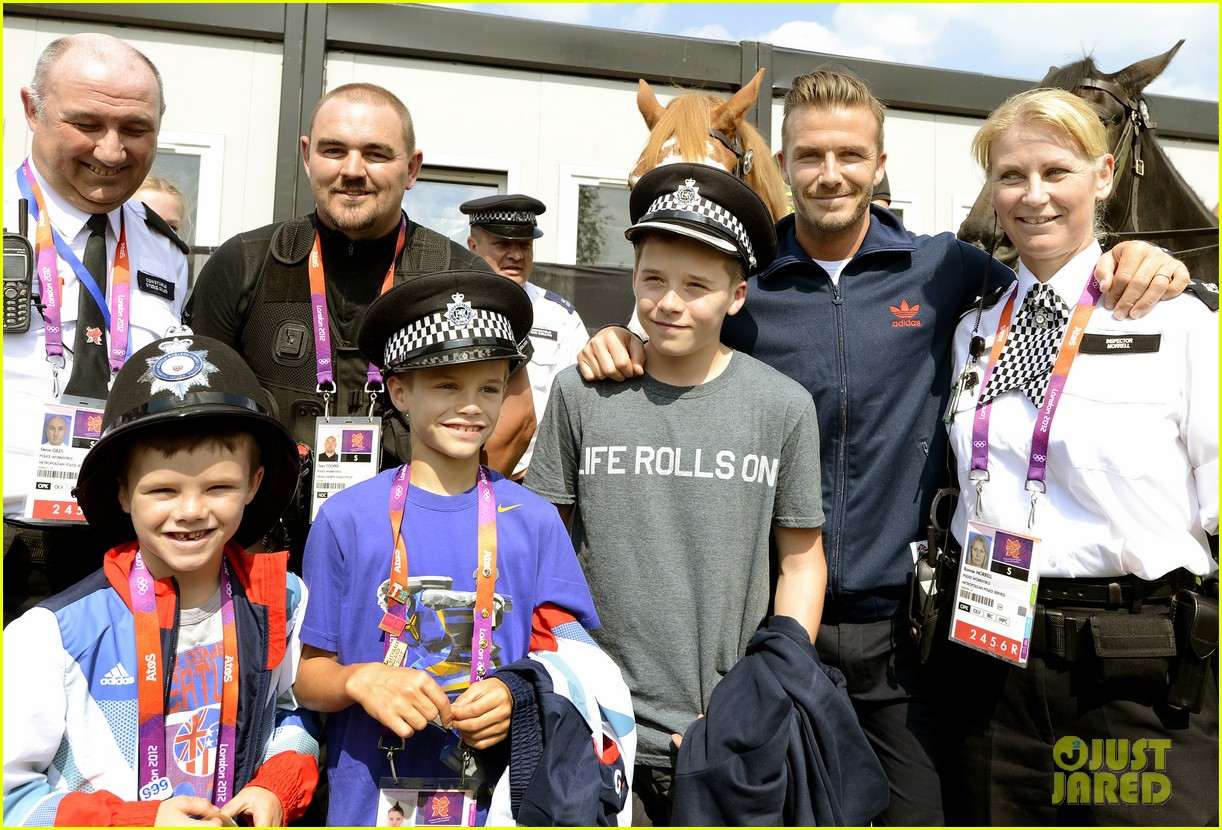 david beckham boys meet greet olympic guards 032699693