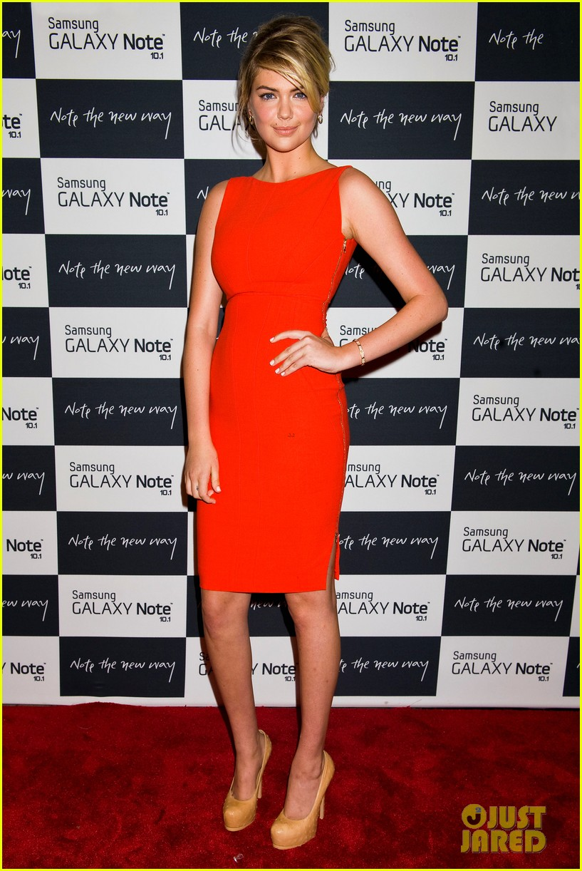 camilla belle kate upton samsung galaxy note 10.1 launch 252702644