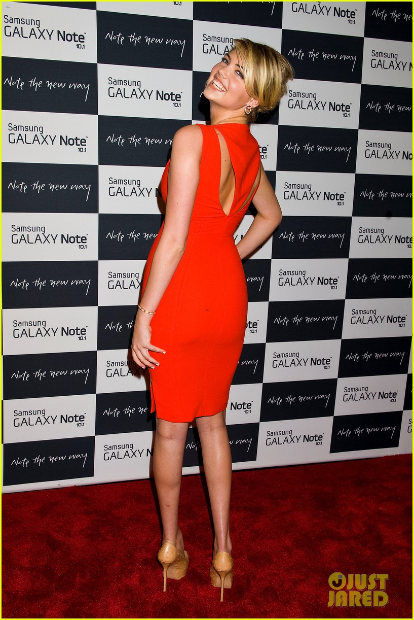 camilla belle kate upton samsung galaxy note 10.1 launch 282702647