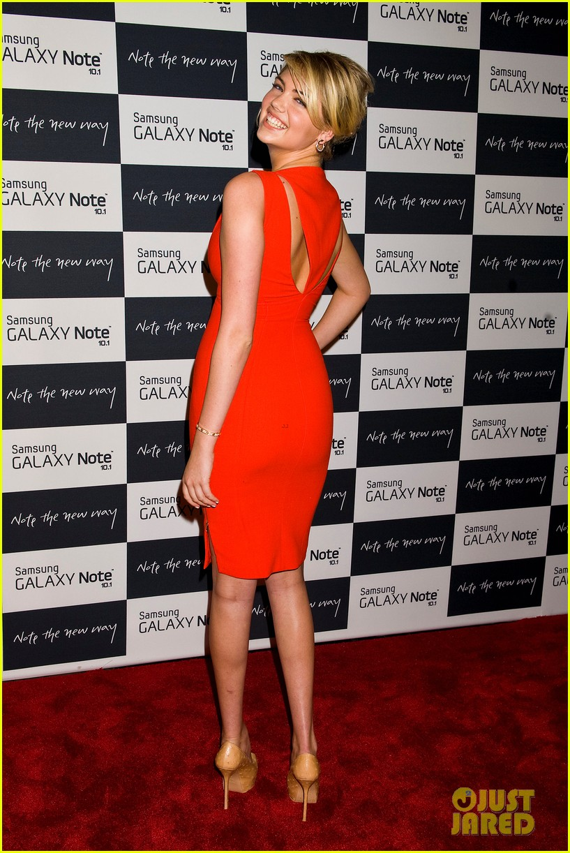 camilla belle kate upton samsung galaxy note 10.1 launch 302702649