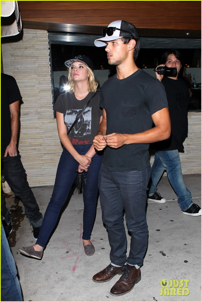 taylor lautner ashley benson red o dinner duo 012699500