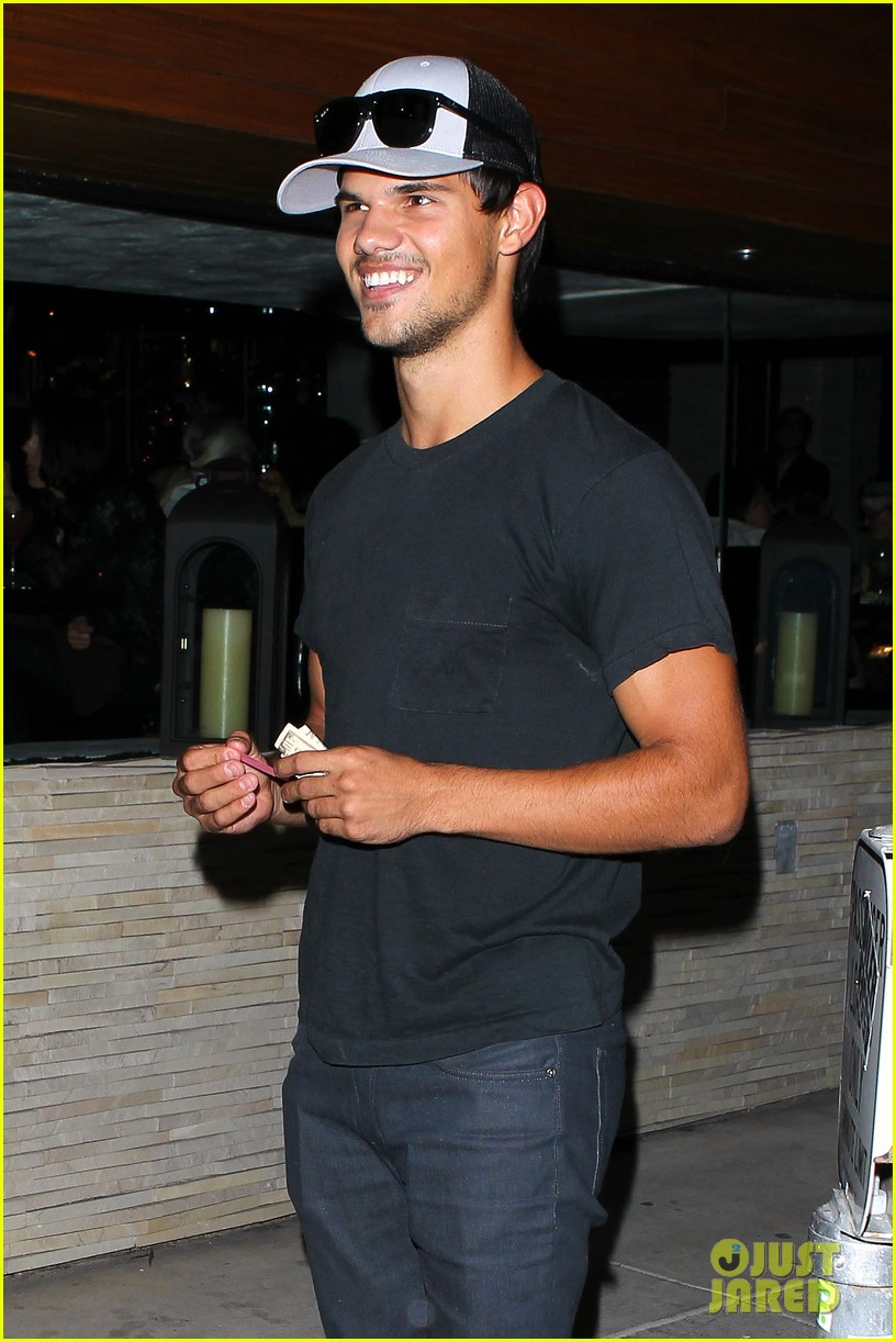 taylor lautner ashley benson red o dinner duo 042699503