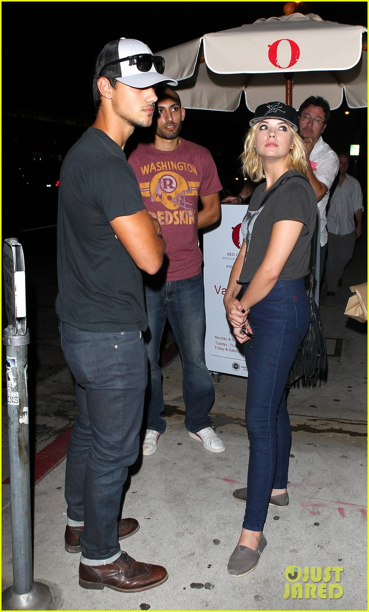 taylor lautner ashley benson red o dinner duo 052699504