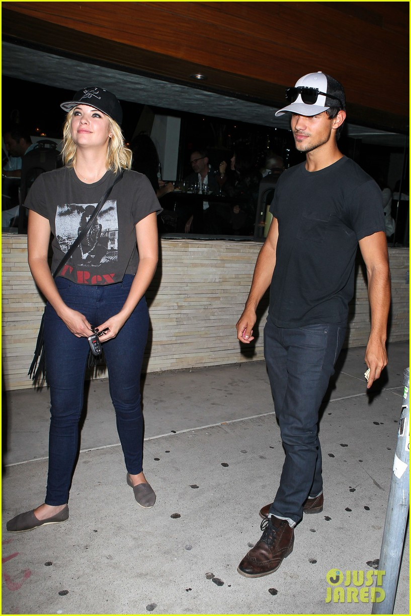 taylor lautner ashley benson red o dinner duo 092699508