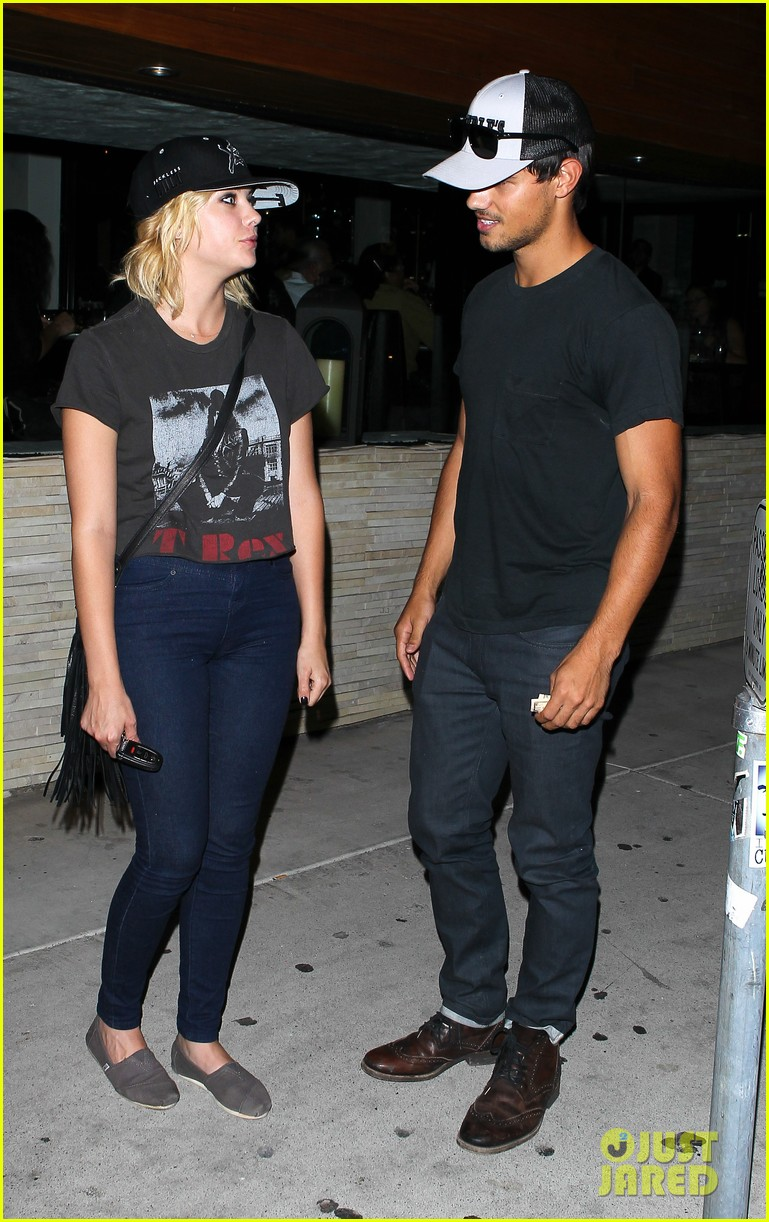taylor lautner ashley benson red o dinner duo 102699509