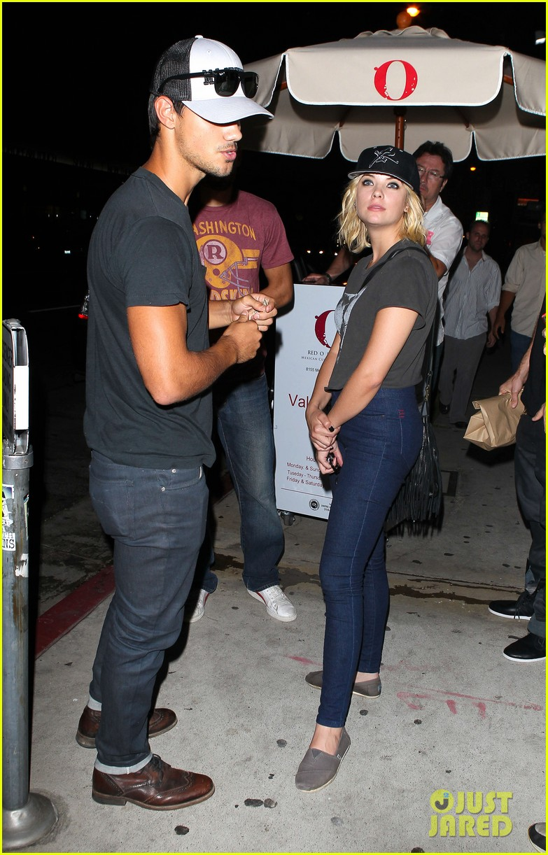 taylor lautner ashley benson red o dinner duo 18