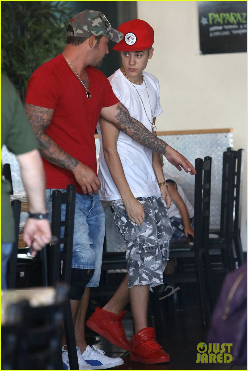 justin bieber sushi dans family lunch 062700634