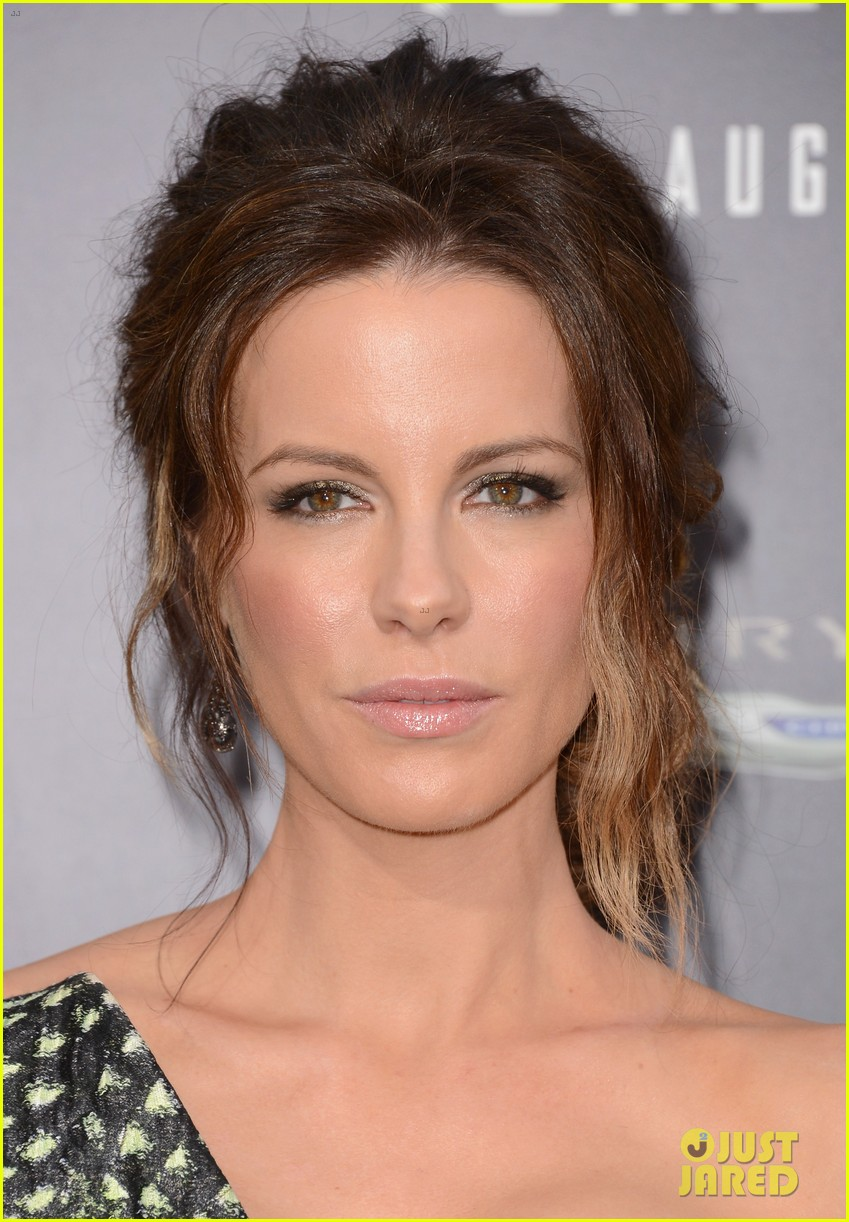 jessica biel kate beckinsale total recall premiere 33