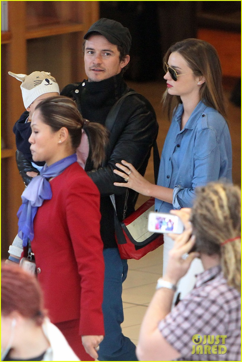 miranda kerr orlando bloom sydney arrival with flynn 072698086