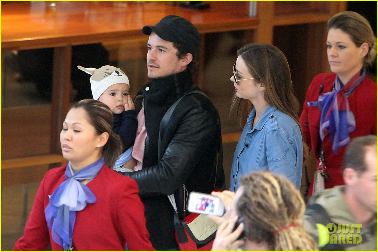 miranda kerr orlando bloom sydney arrival with flynn 102698089