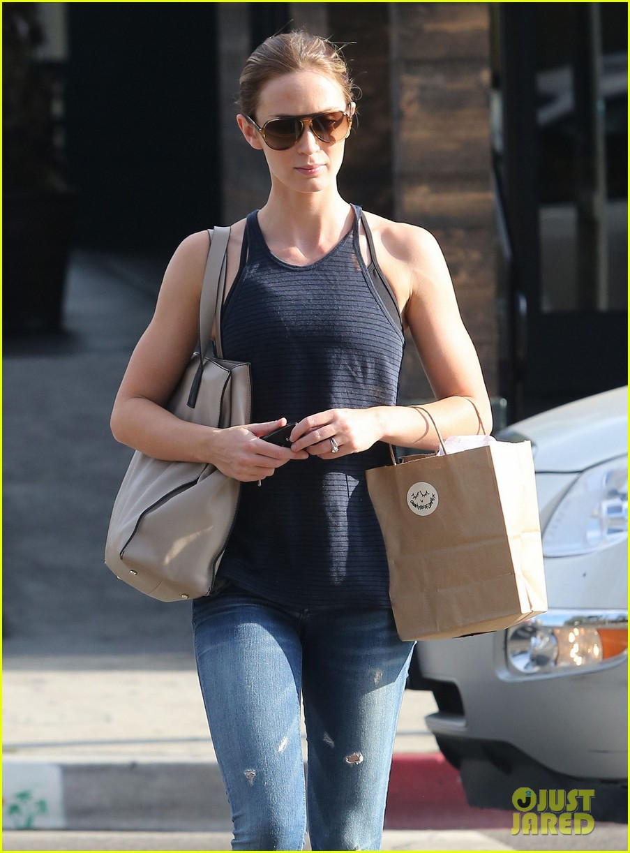 emily blunt creatures of comfort shopper 04
