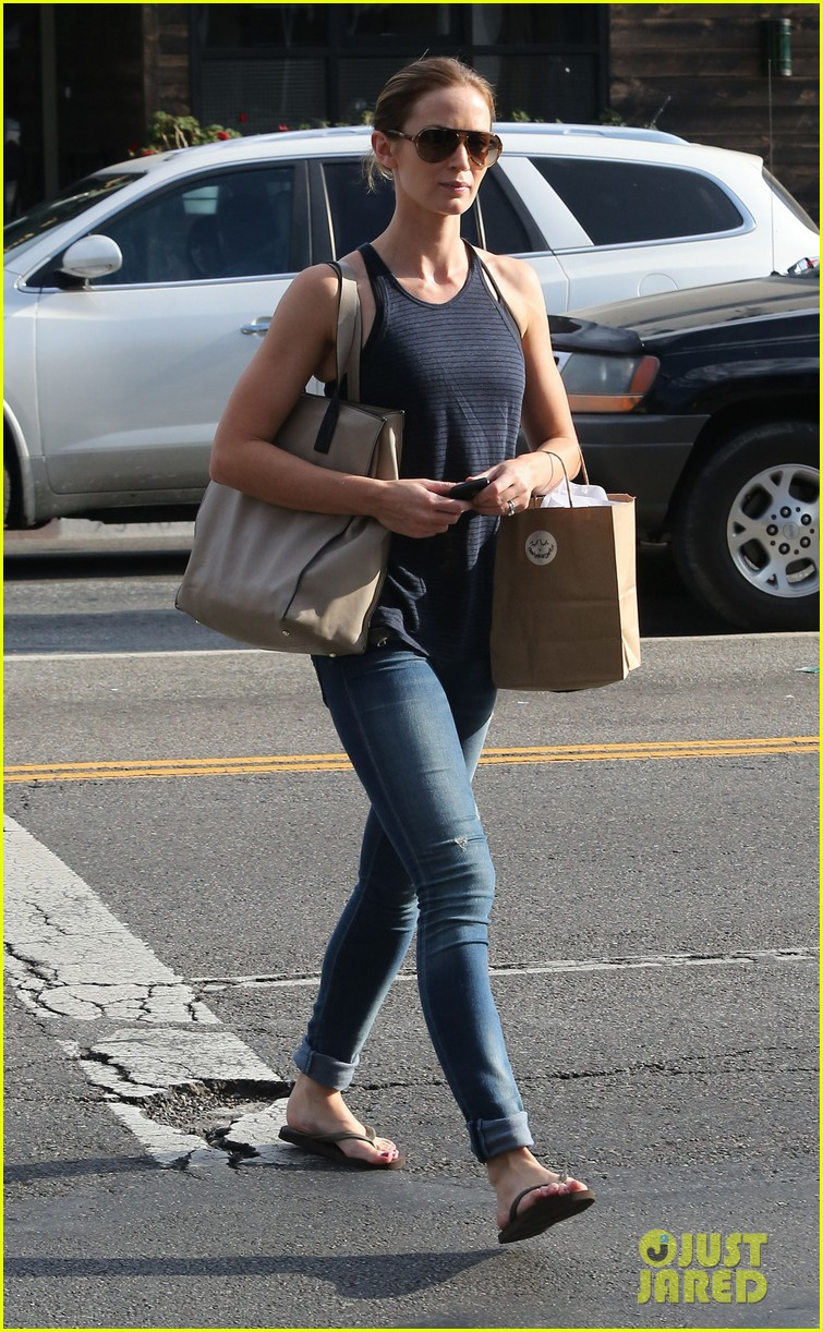 emily blunt creatures of comfort shopper 05