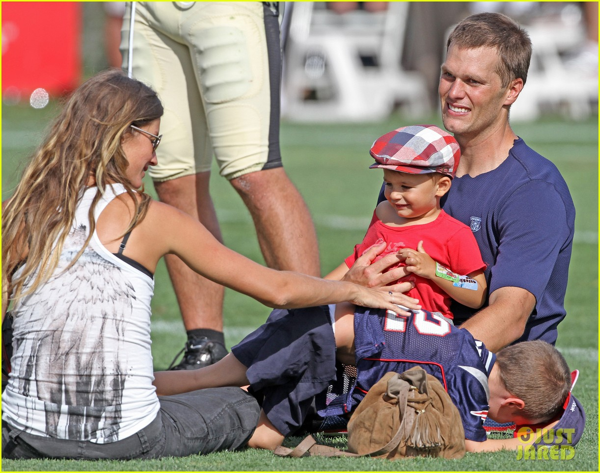 gisele bundchen tom brady training camp hangout 042698596