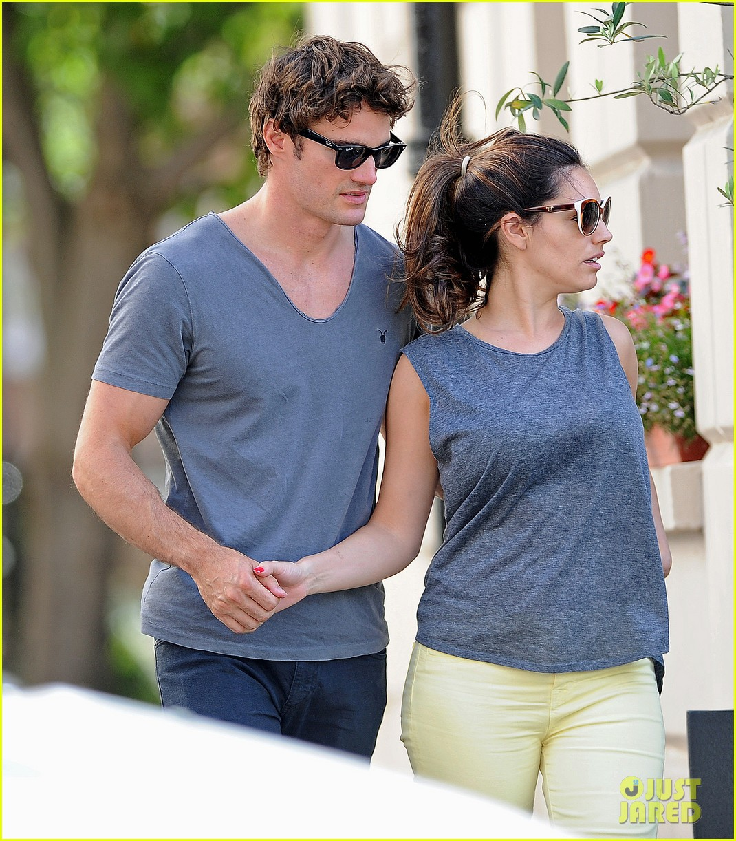 kelly brook thom evans london pub pair 022704609