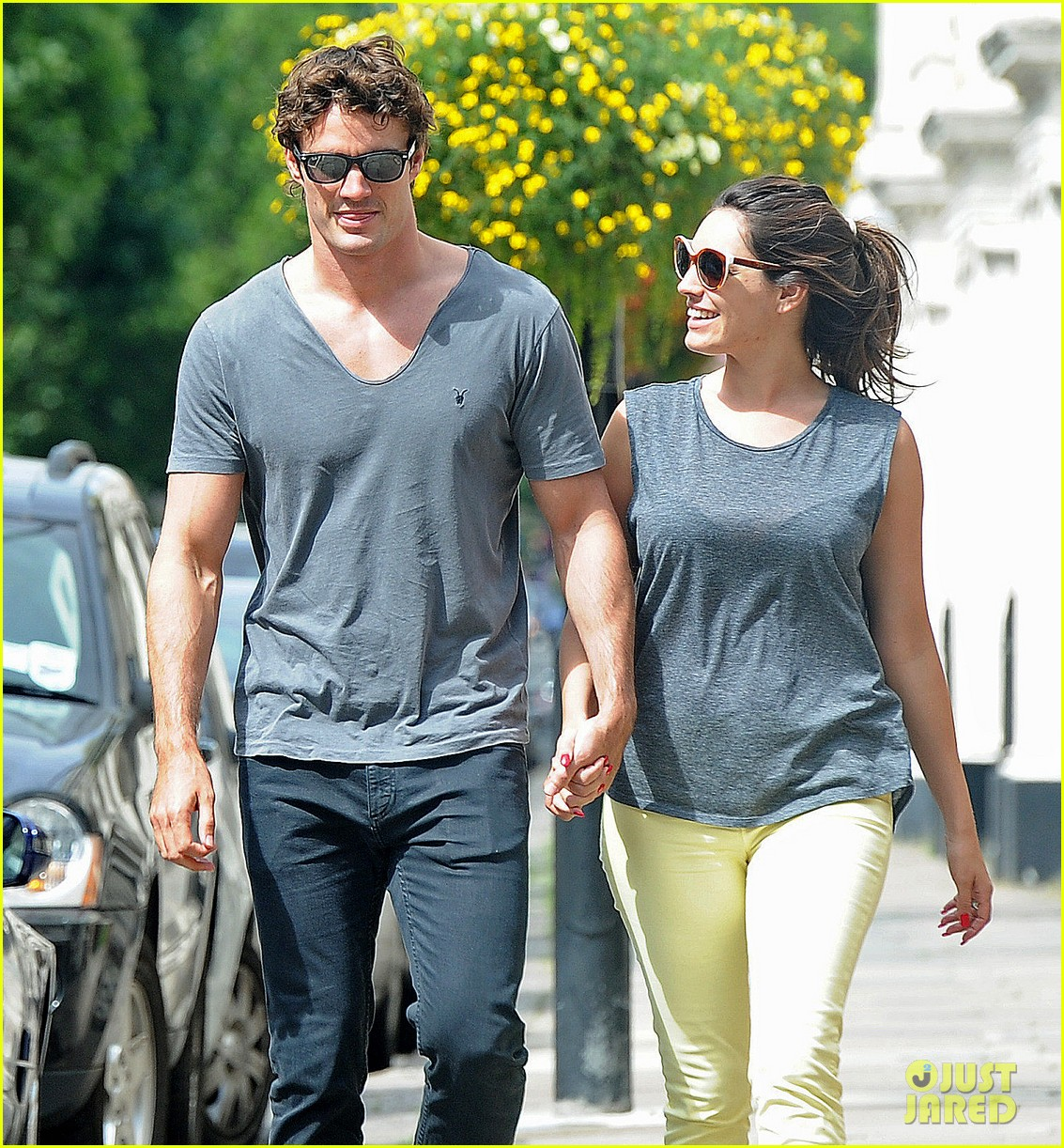kelly brook thom evans london pub pair 102704617
